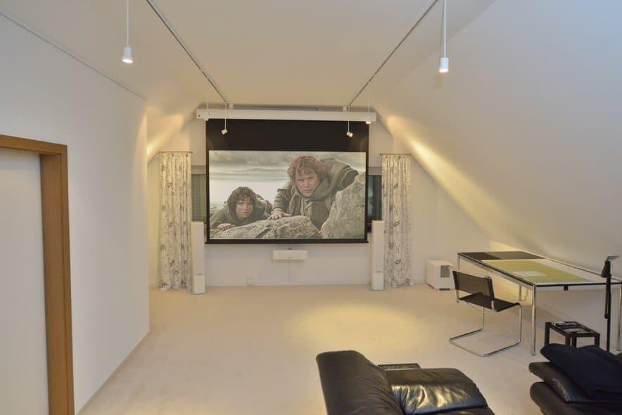 Rückzugsoase im Arbeitszimmer - Home Office mit Home Entertainment vereint