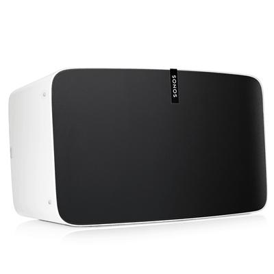 Die neue Sonos Play 5 in matt weiß.