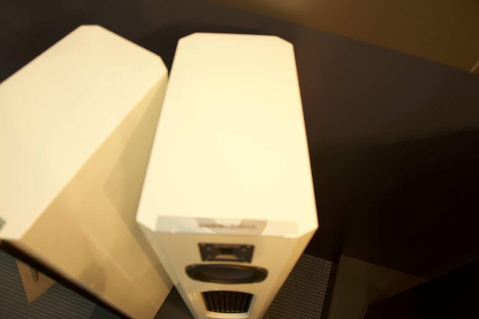 quadral aurum 9 r9volution einblick heimkinopartner bremen. Black Bedroom Furniture Sets. Home Design Ideas
