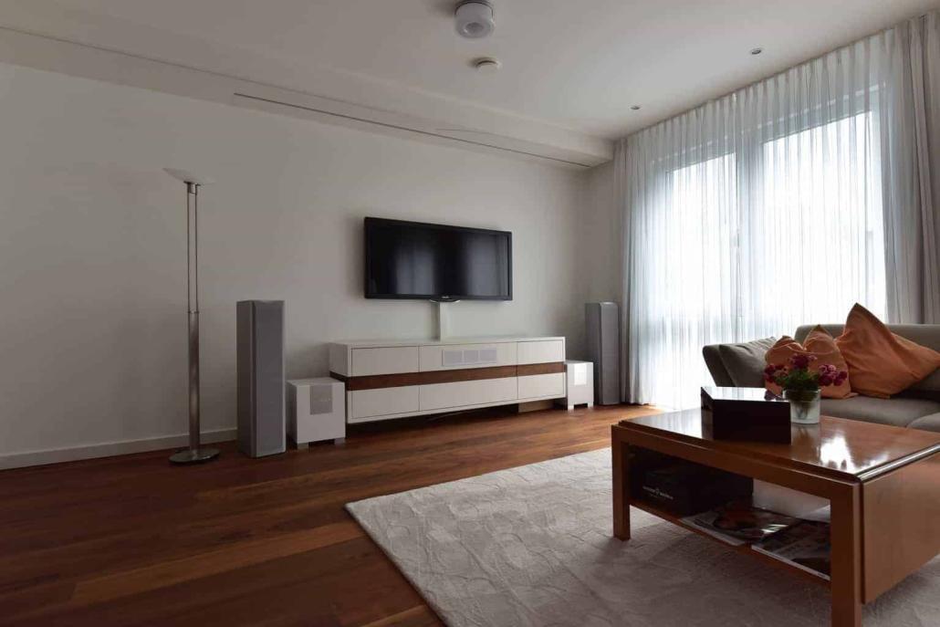 wohnraumkino fly heimkino partner referenz heimkinol sung mit stil. Black Bedroom Furniture Sets. Home Design Ideas