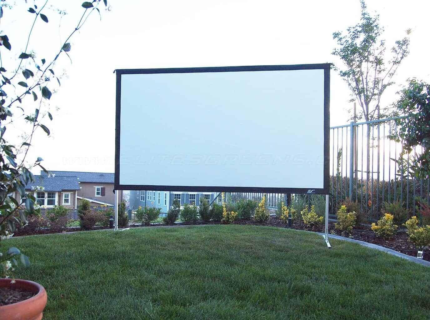 Elite Screens Yard Master 2 Mobile Outdoor Leinwand