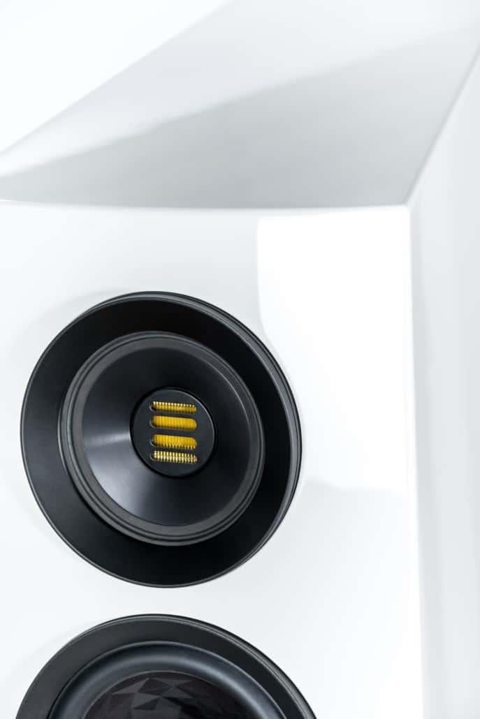 Neuheit : ELAC Concentro S 509