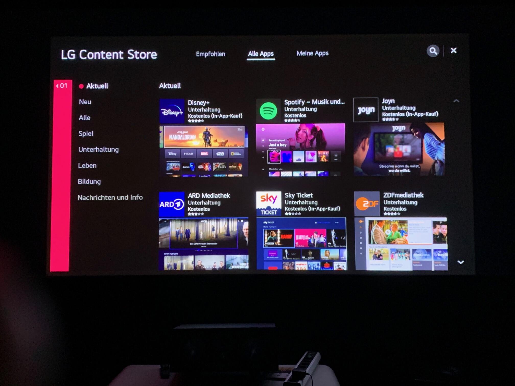 LG CineBeam AU810PW Forza im Test Forza Content Store